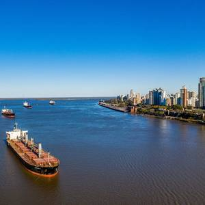 Low Water Levels Hamper Shipping on the Parana River