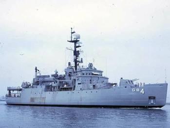 File USS Glacier (© Richard Leonhardt)