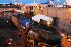 File The Virginia-Class attack submarine USS Hawaii (SSN 776) undergoes routine inspections and repairs in Pearl Harbor Naval Shipyard. Hawaii is the first U.S. Pacific Fleet Virginia-class submarine to enter dry dock in Pearl Harbor. (U.S. Navy photo by Liane Nakahara/Released)