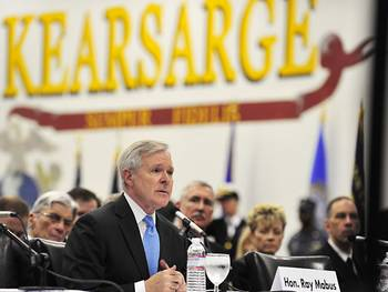 File Navy Secretary Ray Mabus addressed a Senate hearing on energy aboard the USS Kearsarge (Photo: U.S. Navy)