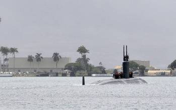 File The Los Angeles-class fast attack submarine USS Santa Fe (SSN 763) departs Joint Base Pearl Harbor-Hickam for a deployment to the western Pacific. (U.S Navy photo by Mass Communication Specialist 2nd Class Steven Khor/Released)