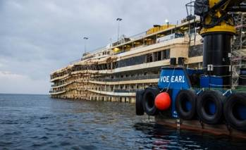 File Costa Concordia, Winter 2013-14: Photo courtesy of The Parbuckling Project