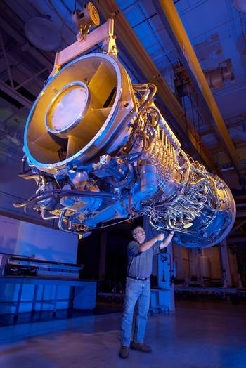 File Gas Turbine Engine LM2500+G4: Photo credit GE