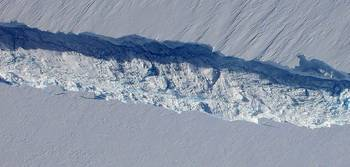 File Pine Island Glacier rift seen from the Digital Mapping System camera aboard NASA