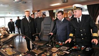 File Russian PM Tours Research Ship: Official photo