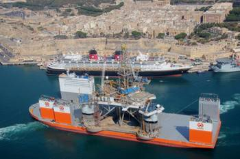 File Dockwise Vanguard entering port: Photo courtesy of Boskalis
