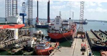File Batam Shipyard: Photo courtesy of ASL