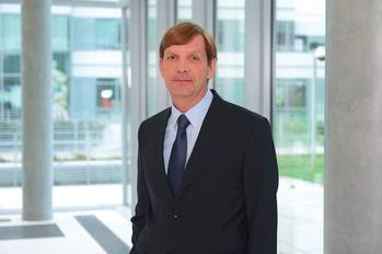 File Alain Houard is Vice President, Marine & Offshore Industry at Dassault Systèmes where he leads the company's strategy for sectors including Navy Vessels, Commercial Ships, Offshore, Yachts & Workboats, Marine Suppliers, and Marine & Offshore Specialists.