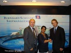 File Dr. Ruanthi De Silva from Bernhard Schulte Shipmanagement (middle), along with Mr. John Inge Røtting from Wilhelmsen Ships Service (left) and Jonny Lotten from EDB ErgoGroup (right).