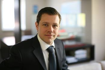 File Bjoern Roehlich, Sales Director