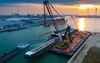 File Barge Lift in Flushing: Photo credit Concordia Offshore BV