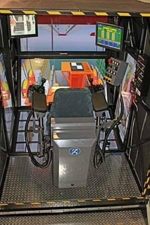 File Crane simulator: Photo courtesy of Kongsberg GlobalSim