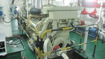 File Cummins KTA38M2 Engine: Photo credit Sarawak Slipways