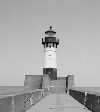 File Duluth Harbor North Pier Light (U.S. Library of Congress photo)