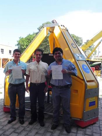 File L-R: Víctor Manuel Santillana Santos, GINEMEX administrative director; Isaias Roberto Santillana JuÁrez, GINEMEX general director; and Luis Fernando López Martínez, GINEMEX commercial and project manager