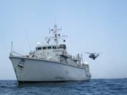 File HMS Middleton & Sea Dragon: Photo credit MOD UK