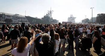 File HMAS Melbourne departure: Photo credit RAN