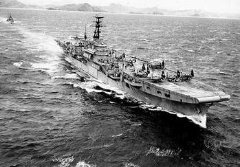 File HMS Triumph (Official U.S. Navy Photograph, from the collections of the Naval Historical Center.)
