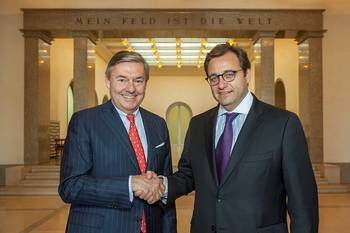 File Michael Behrendt, Chairman of the Executive Board of Hapag-Lloyd (left), and Oscar Hasbún, CEO of CSAV, today at Ballin House (Hapag-Lloyd headquarters) in Hamburg after the signing.