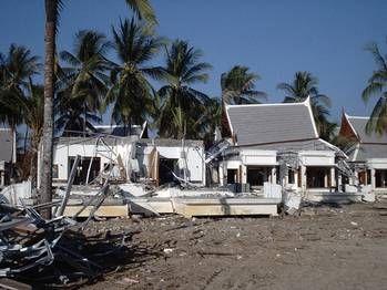 File Holiday residences in Thailand damaged by the Indian Ocean Tsunami 2004 (Image courtesy of Tiziana Rossetto)