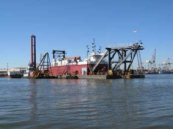 File Houston Ship Channel Dredging: Photo courtesy of AAPA