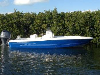 File Hydra-Sports Boat 2300: Photo courtesy of Plantation Boat & Marina
