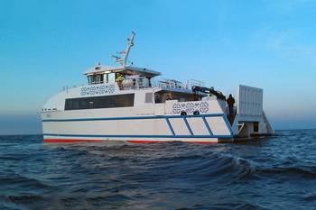 File 24m Catamaran Ro-Pax Ferry, Runö.