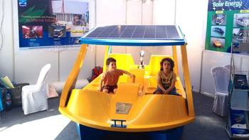 File Solar Boat: Photo credit Navgathi