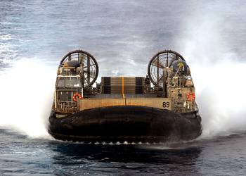 File LCAC: Photo USN