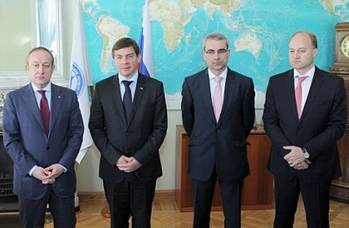 File Pictured (from left to right): Sergey Frank, CEO, OAO Sovcomflot; Dmitry Mironenkov, Vice President, JSC United Shipbuilding Corporation; Nikolai Grigoriev, Director of Global Shipping & Logistics, Gazprom Marketing & Trading and Mikhail Ayvazov, CEO, Russian Maritime Register of Shipping