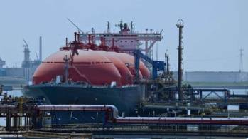File LNG terminal operations: Photo courtesy of GIIGNL