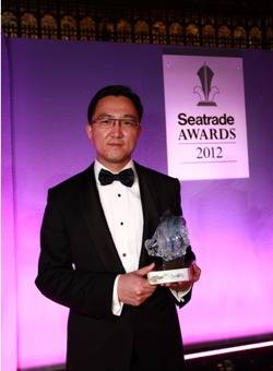 File Luan Xiao Ming, Chief Operating Officer and Executive Director of China Rongsheng Heavy Industries: Photo Rongsheng