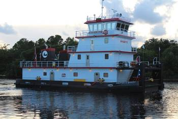 File Master Marine delivered its first 2,000 hp Z Drive inland river towboat (Photo courtesy of Master Marine)