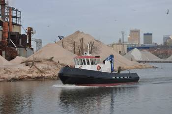 File 60-foot work boat for the Port of Milwaukee.