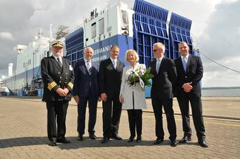 File (left to right) Henrik Hessellund, Captain of the Ark Germania; Berthold Brinkmann, Administrator of P+S Werften; Dr. Alexander Badrow, Lord Mayor of Stralsund; German Federal Minister Prof. Dr. Johanna Wanka; Peder Gellert Pedersen, Executive Vice President Shipping Division DFDS and Axel Schulz, Representative of the Administrator at the Volkswerft Stralsund