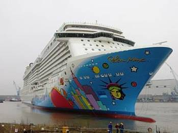 File Norwegian Breakaway: Image courtesy of NCL