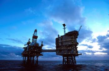 File Offshore platforms: Photo CCL