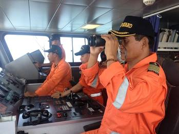 File Bridge team: Photo courtesy of Philippine Coast Guard