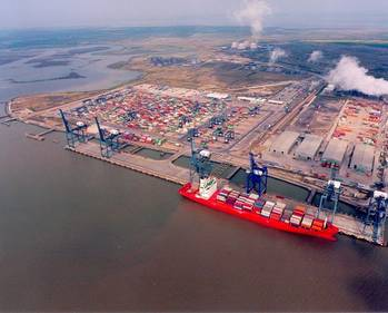 File Aerial view of Hutchison Port Holdings controlled London Thamesport container terminal (Photo: Drewry)