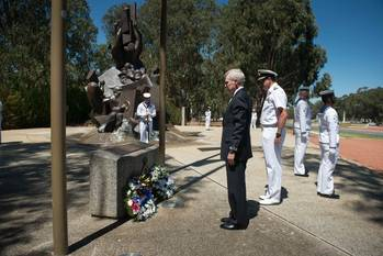 File SECNAV Mabus at Naval Memorial: Photo credit USN