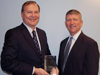 File Richard Hadsall receives Lifetime Achievement Award from MTN