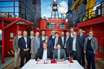 File Charter contract signing: Photo credit Siemens Energy