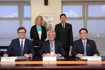 File LNG bunker MOU signing: Photo credit MPA