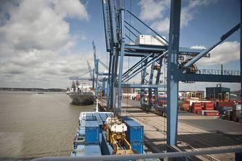File Tilbury Port View