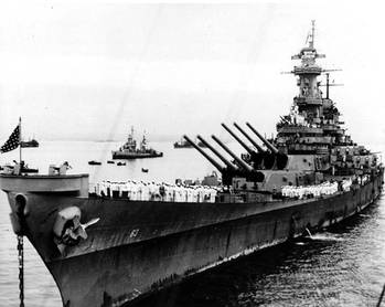File USS Missouri (BB-63) anchored in Tokyo Bay, Japan, 2 September 1945, the day that Japanese surrender ceremonies were held on her deck. (Photograph from the Army Signal Corps Collection in the U.S. National Archives)