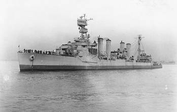 File USS Omaha (CL-4). Official U.S. Navy Photograph, from the collections of the Naval Historical Center.