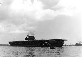 File USS Yorktown (Official U.S. Navy Photograph, now in the collections of the U.S. National Archives.)