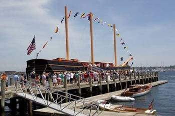 File Visitors Board SSV Oliver Hazard Perry: Photo credit