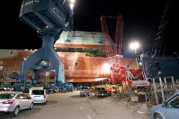 File Zumwalt-class under construction: Photo courtesy of USN