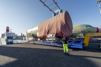 File Loading of the 200th shipset A320 FAL at the Airbus quay in Finkenwerder (Photo: Airbus/Christian Brinkmann)